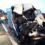 Sprinter uderzył w ciężarówkę na A4 – zginęła pasażerka busa