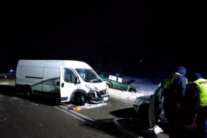 Przemytnicy w Fiatach Ducato staranowali auto Straży Granicznej