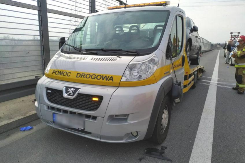 Śmiertelne potrącenie na S12 – nie żyje pracownik pomocy drogowej