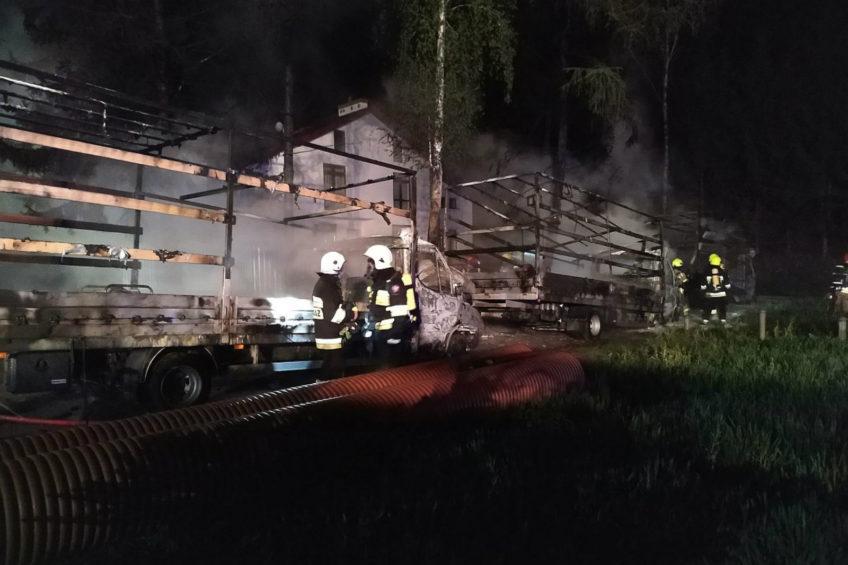 Pod Lublinem spłonęły 3 sztuki Iveco Daily – 400 000 zł strat