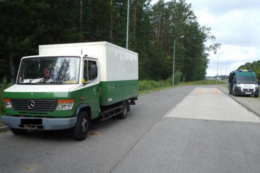 Mercedes Vario 814D ważył prawie 10 ton przy 3500 kg DMC