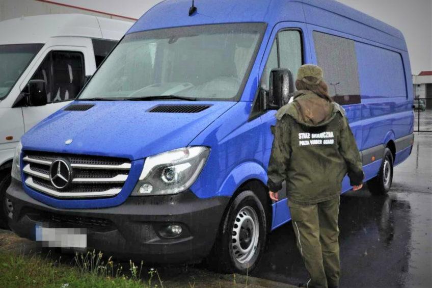 Pogranicznicy jednego dnia odzyskali 3 skradzione Sprintery
