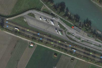 Polski kierowca busa dźgnięty nożem na parkingu przy A12 w Austrii