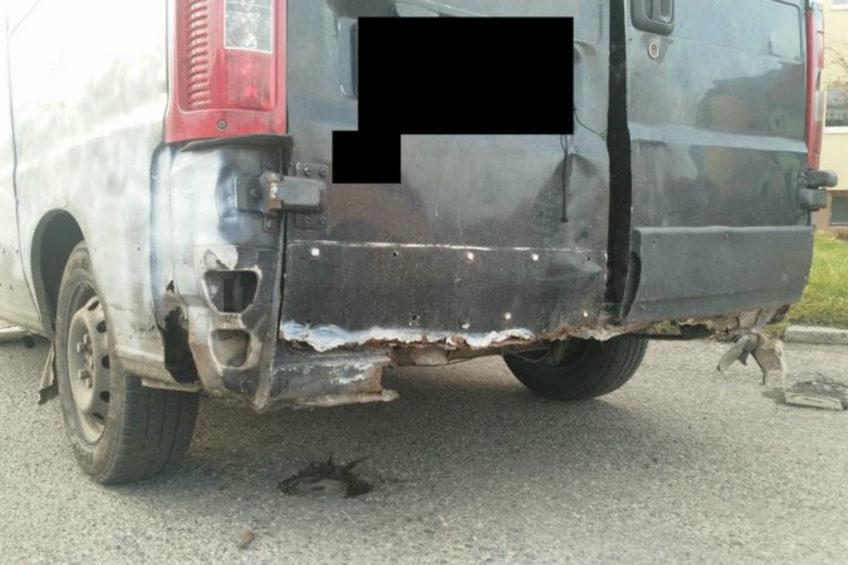 Peugeot Boxer omal się nie rozpadł – podobno jechał na złom
