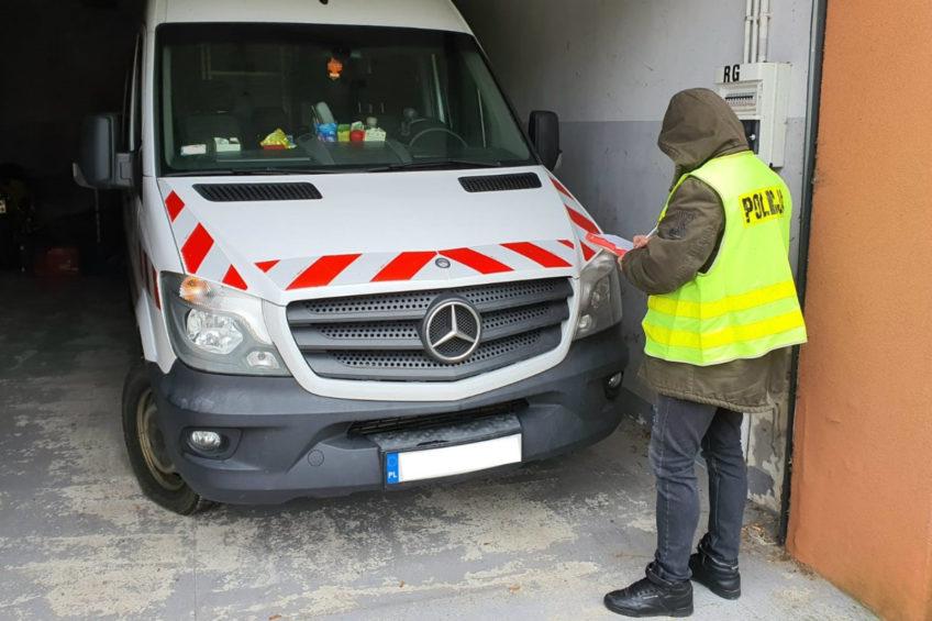Mercedes Sprinter odnalazł się w Głownie. Zarzuty dla 30-latka