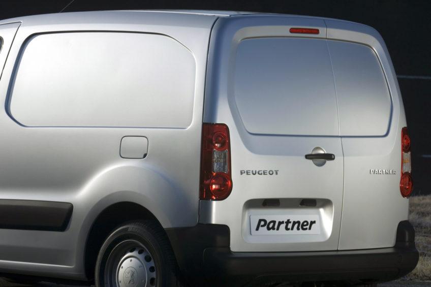 Peugeot Partner z kręconym licznikiem zatrzymany na zakopiance