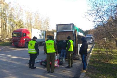 Mołdawski bus z kolcami na oponach – kierowca stracił prawo jazdy
