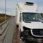 Na S8 Mercedes Sprinter śmiertelnie potrącił kierowcę DAF-a