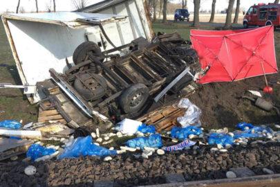Zderzenie Citroena Jumper i szynobusa w Granowie – kierowca zmarł