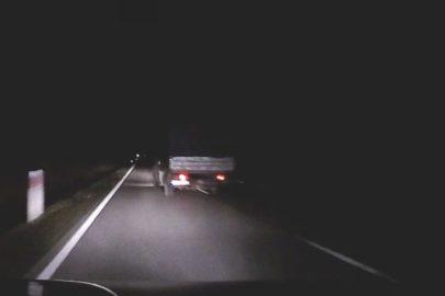 VW LT zajechał drogę Oplowi Astrze – jest nagranie z dachowania