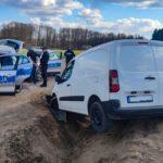 Peugeotem Partnerem wpadł do rowu – miał ponad 2 promile