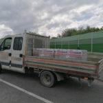 3 tony kostki brukowej bez zabezpieczenia na pace Iveco Daily