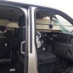 Ford Tourneo Custom najechał na ciężarówkę przewożącą drewno