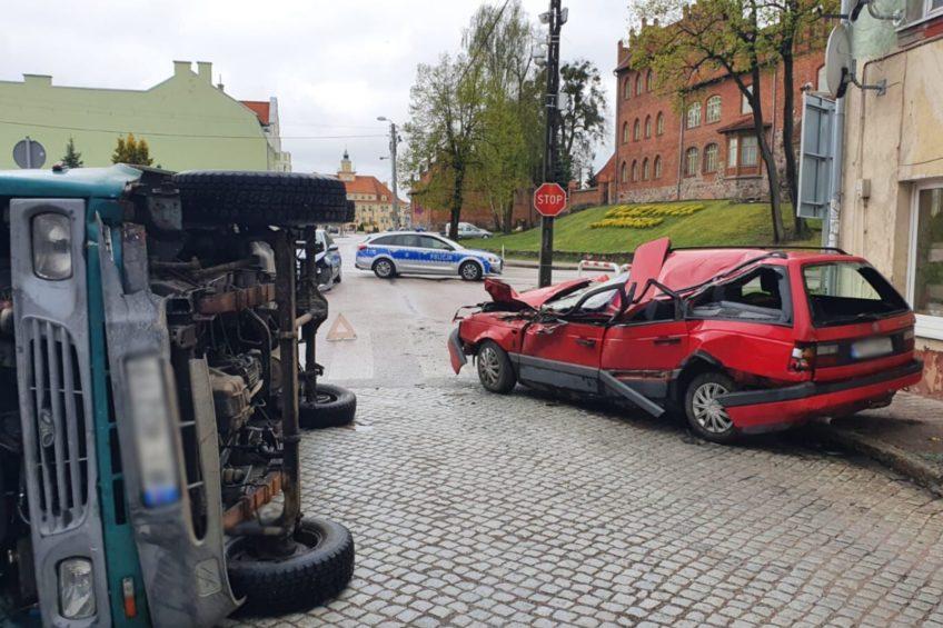 W Olsztynku jadący na dwóch kołach Lublin przewrócił się na Passata