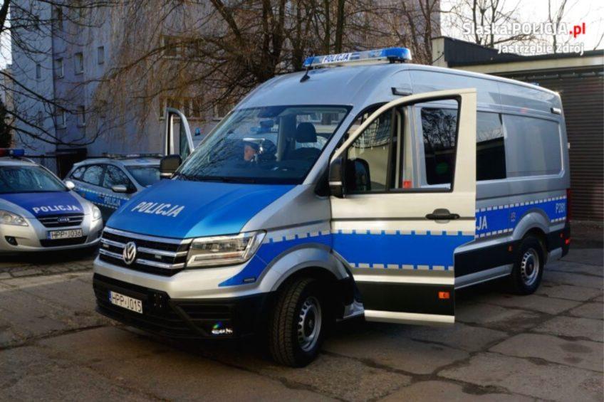 Nowe 124 radiowozy dla prewencji – VW Crafter albo MAN TGE