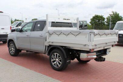 Toyota Hilux z zabudową skrzyniową firmy Auto Galeria