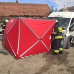 Fiatem Ducato wjechał na chodnik – zginęło dwóch pracowników