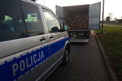 Przewozili chłodnią ponad 1500 kg nielegalnego tytoniu