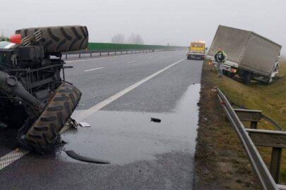 Traktor z przyczepą na S3 pod Gorzowem. Doszło do zderzenia z busem