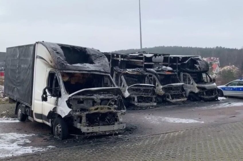 W Gdańsku spłonęło doszczętnie 5 busów – policja ustala okoliczności