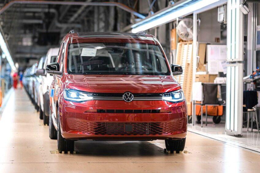 Zakłady VW Poznań opuściło w 2020 roku 207 610 pojazdów