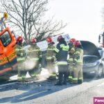 Na DK 60 Passat wjechał w Transity służby drogowej – ranne 2 osoby