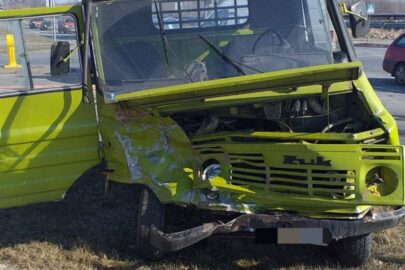 Pasażer Żuka trafił do szpitala po zderzeniu z SUV-em