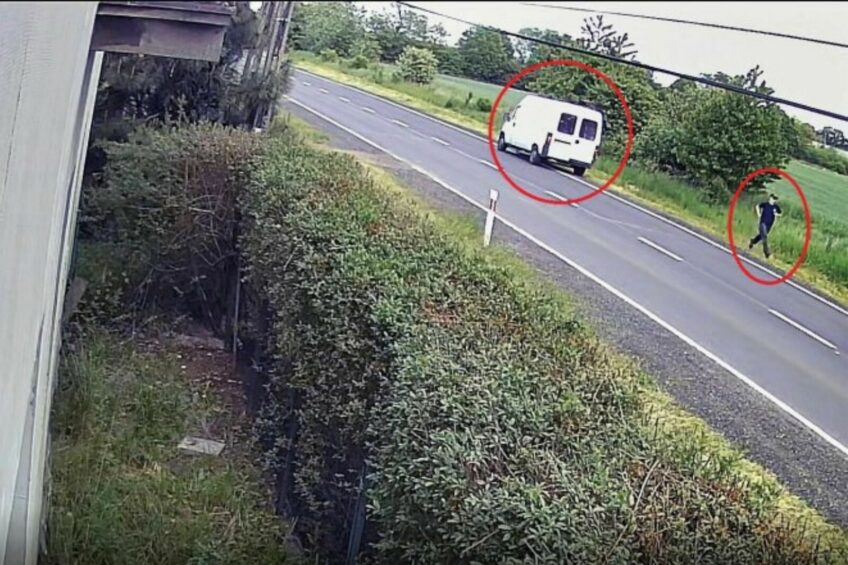 Peugeotem Boxerem potrącił rowerzystę i uciekł – zobacz film