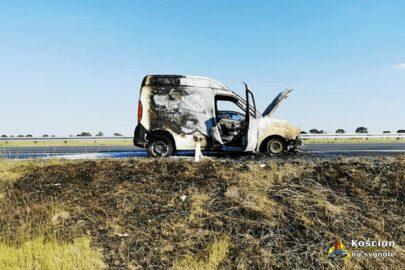 Fiat Doblo spłonął na S5 – nikt nie został poszkodowany