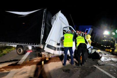 Tragiczny wypadek na DK 92 – nie żyje kierowca Renault Master