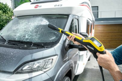Jaką myjkę ciśnieniową kupić do mycia samochodu?