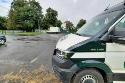 Kierowca przeciążonego busa chciał dać 200 zł łapówki