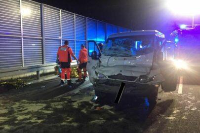 Na S12 Sprinter uderzył w naczepę – kierowca zestawu pojechał dalej