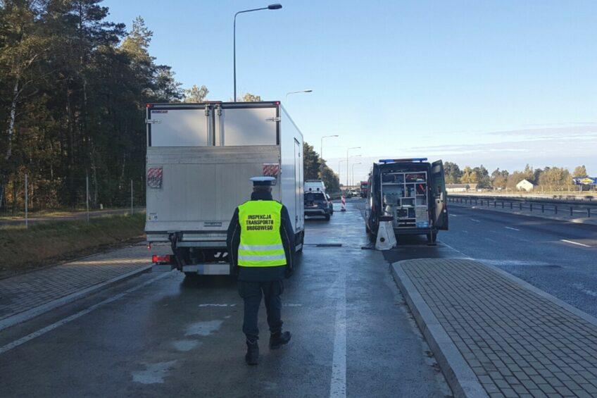 """Akcja """"waga"""" na DK 19 i S8 – najcięższy bus ważył 8200 kg"""
